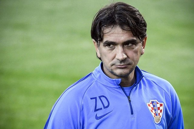 Croatia's coach Zlatko Dalic looks on as he leads a training session of Croatia's national football team at the Luzhniki training field, in Moscow, on July 9, 2018 ahead of their Russia 2018 semi-final football match against England. / AFP PHOTO / Alexander NEMENOVEditoria: SPOLocal: MoscowIndexador: ALEXANDER NEMENOVSecao: soccerFonte: AFPFotógrafo: STF