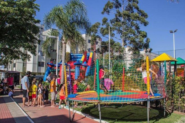 Prefeitura de São José promove Bairro em Movimento pelos bairros da cidade. Na foto edição no bairro Floresta.