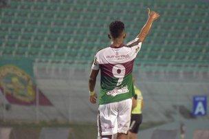 Juninho marcou o único gol do jogo. (Esporte em Foco/Sávio James Pereira)