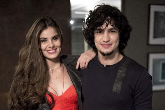 verdades secretas, Angel ( Camila Queiroz) e Gui ( Gabriel Leone)