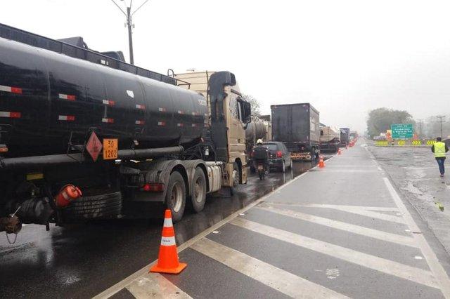 Ampliação da ponte sobre o rio Cubatão na BR-101, em Joinville, será finalizada nesta quinta-feira