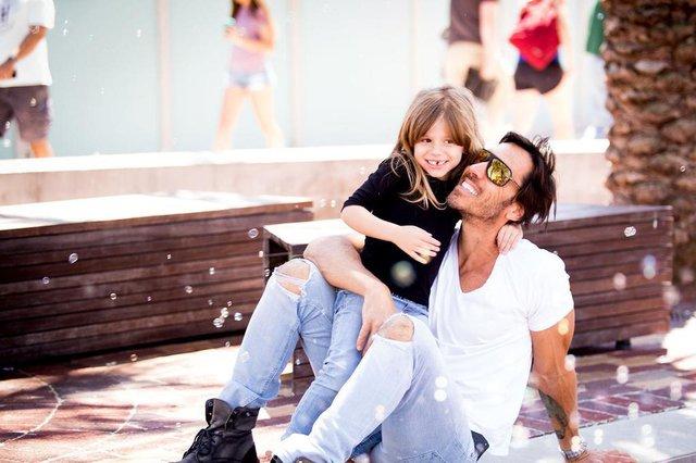 claus fetter, com a filha, olívia.