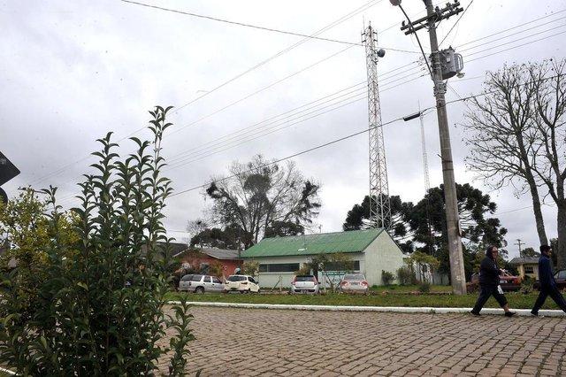Criúva é um dos poucos distritos do interior de Caxias onde o celular funciona bem, devido à instalação de uma antena da Vivo, em 2016. (Lucas Amorelli/Agência RBS)