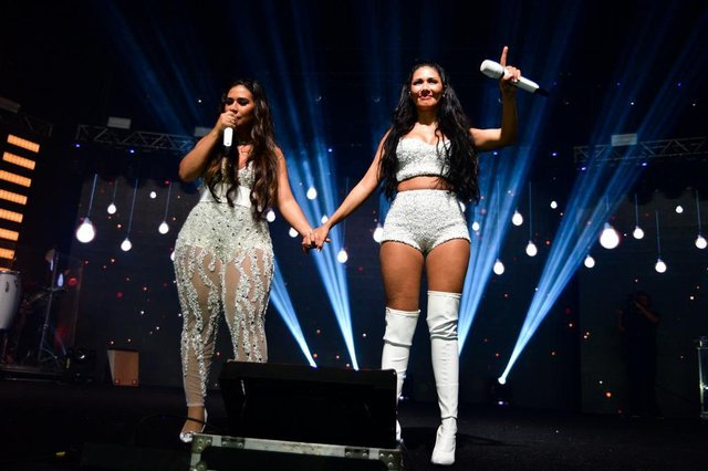 simone e simaria, no show de retorno de simaria aos palcos, em nove de agosto de 2018
