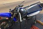 Impacto da colisão foi tão forte que a moto ficou a cerca de 50 metros do condutor (Divulgação/PRF)