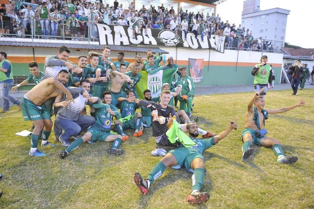 Camboriú x Metropolitano , semifinais, jogo de volta, Série B do Catarinense , Estádio Roberto Santos Garcia , Camboriú