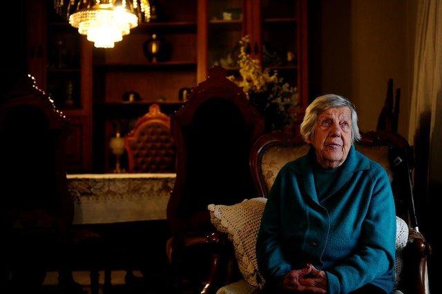 CAXIAS DO SUL, RS, BRASIL, 24/08/2018Eleitora mais velha de Caxias do Sul com 100 anos.Case: Celina Lea Dal Pra Zengerling(Lucas Amorelli/Agência RBS)