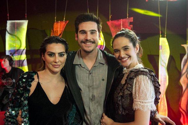 o tempo não para, Betina ( Cleo ), Samuca ( Nicolas Prates ) e Marocas ( Juliana Paiva )