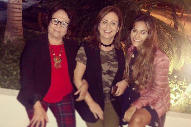 Senadora Kátia Abreu (PDT), candidata a vice de Ciro Gomes (PDT), com a mãe Vera Lucia e a filha Iana.