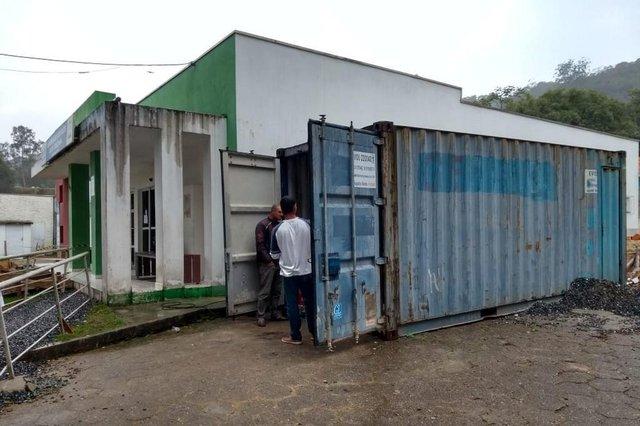 Brusque, posto de saúde, funcionários desalojados
