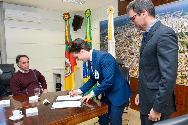 Renovação do contrato da Upa Zona norte, em caxias. Prefeito Daniel Guerra renovou o convênio na tarde desta terça-feira.