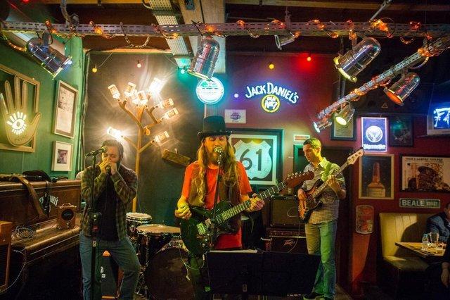 Banda Barba & Blues é atração no Mississippi Delta Blues Bar, em Caxias do Sul, neste sábado (22/9)
