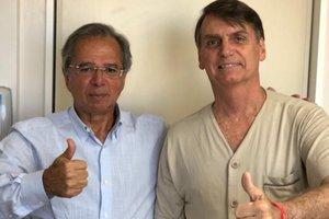 Economista e provável ministro da Fazenda em eventual governo, Guedes visitou o presidenciável no hospital Albert Einstein (Twitter/Reprodução)