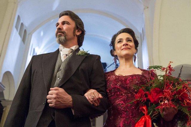 orgulho e paixão,  Julieta ( Gabriela Duarte ) e Aurélio ( Marcelo Faria )