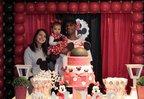 Sabrine Panes Rodrigues com a filha Alice Beatriz e o companheiro Douglas Araújo da Silva em festa (Divulgação/Arquivo Pessoal)