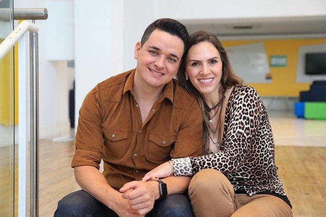 PORTO ALEGRE, RS, BRASIL, 24-09-2018. Cantor Léo Paim, do The Voice Brasil, na RBS. (JÚLIO CORDEIRO/AGÊNCIA RBS)