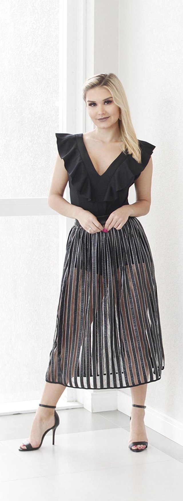 Modelo caxiense Gabriela Baccin veste looks da Namur Boutique, que inaugura nesta sexta-feira em Caxias