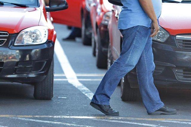 PORTO ALEGRE, RS, BRASIL, 04/10/2018: Repercussão do novo look dos taxistas