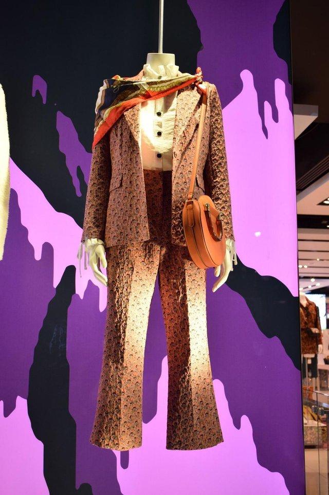 Vitrine da TopShop, fotografada em viagem realizada por Simone Rech em busca de tendências de moda