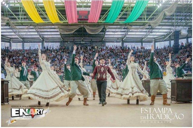 Apresentação do CPF Piá do Sul, de Santa Maria, no Enart 2017