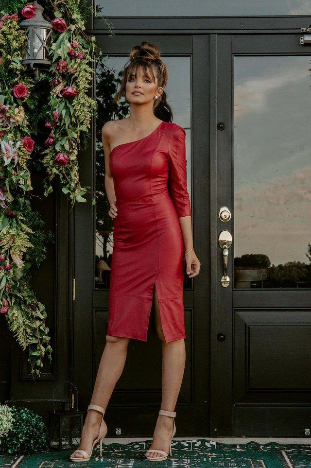 Jovana Foresti dá dicas de vestidos para formatura.