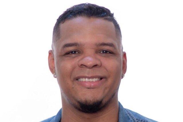 leandro antunes, lelê, vocalista do grupo louca sedução.