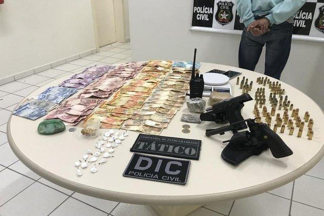 JOINVILLE, SANTA CATARINA, BRASIL (14/11/2018): Polícia prende suspeitos de integrar facção criminosa, roubar casas e amarrar vítimas em Joinville. Operação da DIC