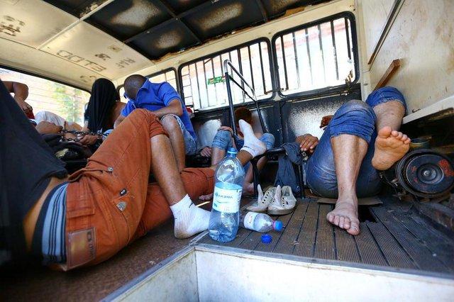 SÃO LEOPOLDO, RS, BRASIL, 21/11/2018: Detentos em condições insalubres na DPPA de São Leopoldo. (CAMILA DOMINGUES/AGÊNCIA RBS)