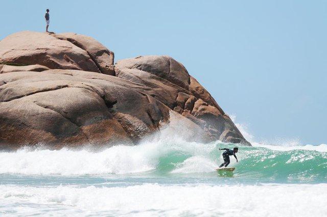 FLORIANÓPOLIS, SC, BRASIL, 21/11/2018: Sol e surf na Joaquina.(FOTO: CRISTIANO ESTRELA / DIÁRIO CATARINENSE)
