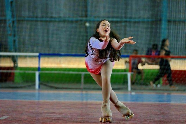 ALVORADA,  RS, BRASIL, 23/11/2018 - Jovem patinadora Juliana Fucilini de Alvorada vai se apresentar em evento amanhã. (FOTOGRAFO: JÚLIO CORDEIRO / AGENCIA RBS)