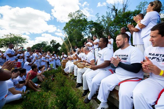 PORTO ALEGRE, RS, BRASIL, 25/11/2018 : projeto social mistura música, arte, esporte e solidariedade. Aula de capoeira. (Omar Freitas/Agência RBS)