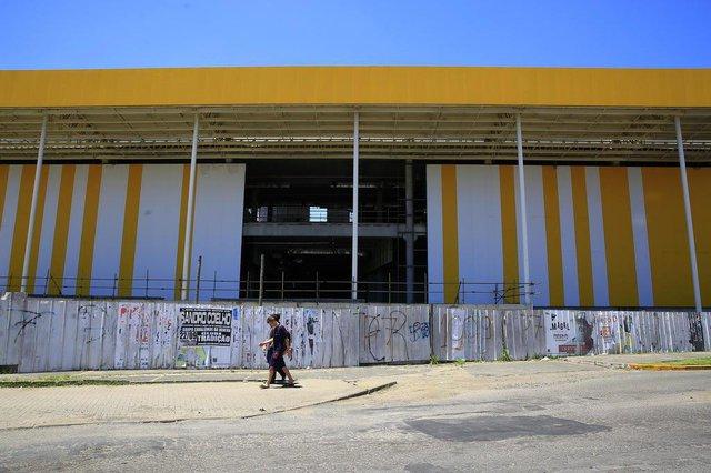 ALVORADA, RS, BRASIL, 20-11-2018: Obras de shopping em Alvorada estão paradas há meses. (Foto: Mateus Bruxel / Agência RBS)