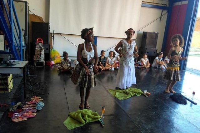 oficina de dança afro do centro cultural multimeios.