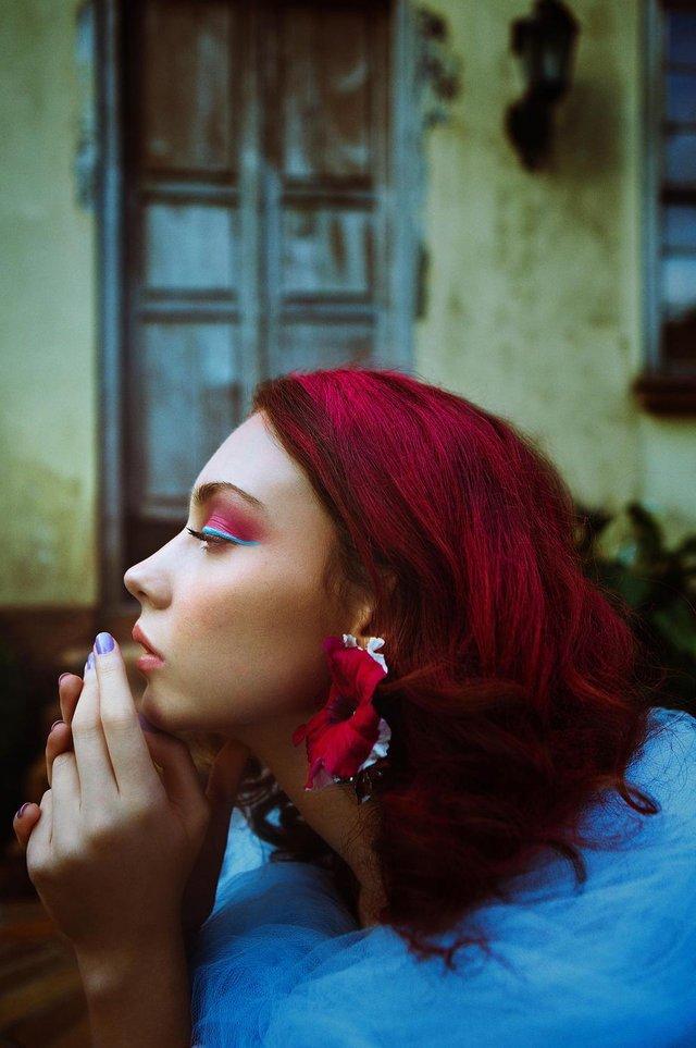Exposição Mudanças traz trabalhos da maquiadora Gabriele Backendorf