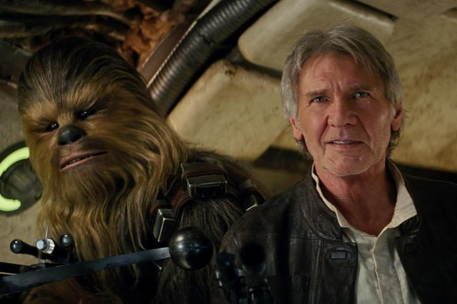 Star Wars: The Force AwakensL to R: Chewbacca (Peter Mayhew) and Han Solo (Harrison Ford)Ph: Film Frame©Lucasfilm 2015