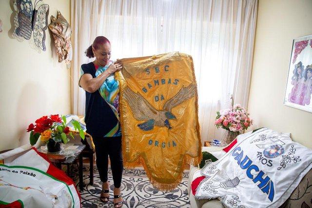 PORTO ALEGRE, RS, BRASIL, 11/01/2019 : Onira Pereira, tradicional porta-estandarte do Carnaval de Porto Alegre, e a expectativa para o desfile em 2019.  (Omar Freitas/Agência RBS)