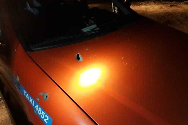 Passageiro de táxi é baleado em Porto Alegre