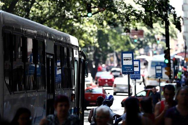 PORTO ALEGRE, RS, BRASIL, 28-01-2019: Porto Alegre ou Forno Alegre? Calor intenso na capital. (CARLOS MACEDO/ AGÊNCIA RBS)