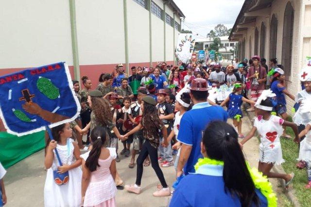 Centro da Juventude Lomba do Pinheiro realiza desfile de Carnaval