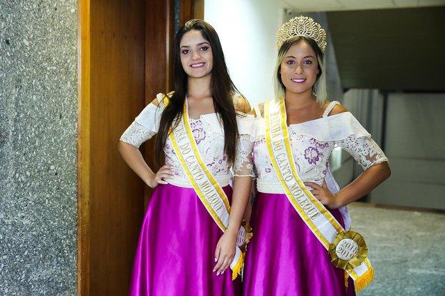 PORTO ALEGRE, RS, BRASIL - 13/03/2019 - Corte do 23º Canto Moleque, de Candiota, a rainha Paola Largue e a 1ª Princesa Renatha Moreira.. (FOTO ANDRÉA GRAIZ/AGÊNCIA RBS)Indexador: Andrea Graiz