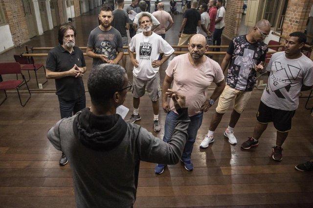 PORTO ALEGRE, RS, BRASIL - 15/04/2019Ensaio da encenação da Via Sacra no Morro da Cruz