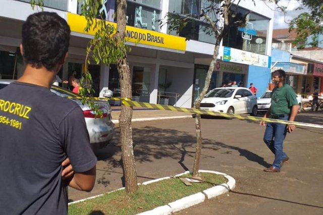 NOROESTE DO RS - Uma agência do Banco do Brasil foi  atacada no começo da tarde desta quarta-feira (24) em Porto Xavier. Os criminosos agiram na modalidade conhecida como novo cangaço, quando pessoas são feitas reféns e a cidade é sitiada pela quadrilha.