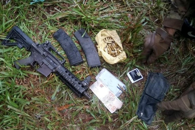 Fuzil apreendido em buscas a assaltantes em Porto Xavier