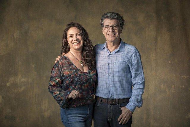Rania (Elaine Giardini) e Miguel (Paulo Betti) órfãos da terra