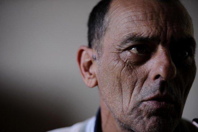 CAXIAS DO SUL, RS, BRASIL (25/06/2019)Paciente de que teve leptospirose cobra assistência de empresa em Caxias. Na foto, Valdemar Ferreira França, 48 anos.  (Antonio Valiente/Agência RBS)