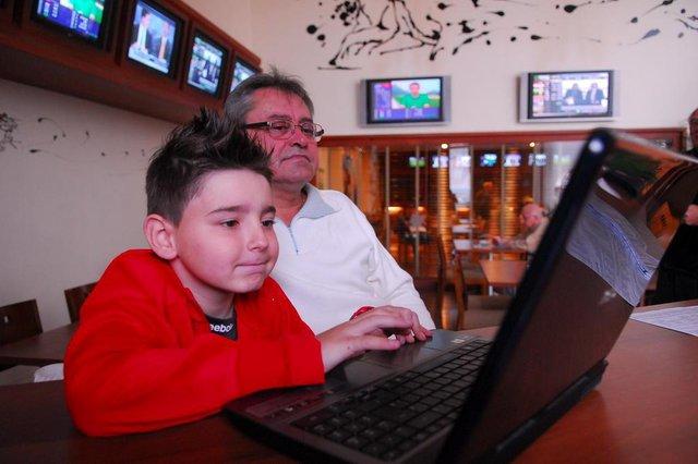 Adroaldo Guerra Filho e o neto João Vitor, o Janjão.