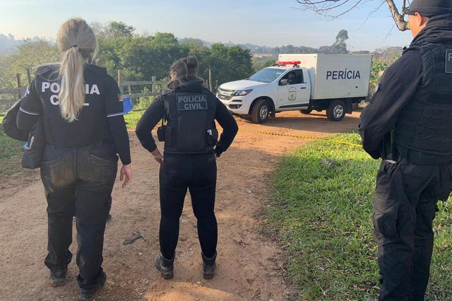 ALVORADA, 11/07/2019, Dois homens são encontrados mortos na Avenida Nossa Senhora de Lourdes, no bairro Tijuca