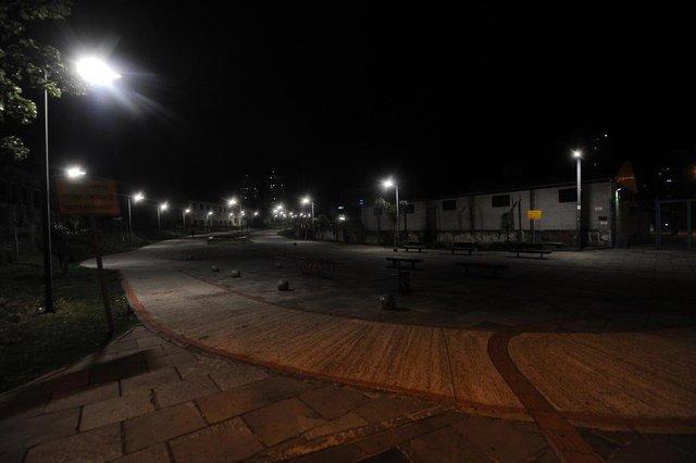 CAXIAS DO SUL, RS, BRASIL, 01/08/2019 - Iluminação em espaços públicos está precária. NA FOTO: praça das feiras.  (Marcelo Casagrande/Agência RBS)