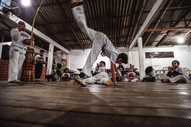 VIAMÃO, RS, BRASIL - 05/08/2019Associação Beneficiente Cultural Recreativa Esportiva Independente, a ABCREI, oferece aula de capoeira gratuitaIndexador: Andre Avila