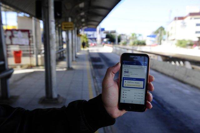 PORTO MALEGRE,RS,BRASIL.2019,08,15.Aplicativos de GPS nos ônibus de Porto Alegre,para acompanhar as viagens em real.(RONALDO BERNARDI/AGENCIA RBS).